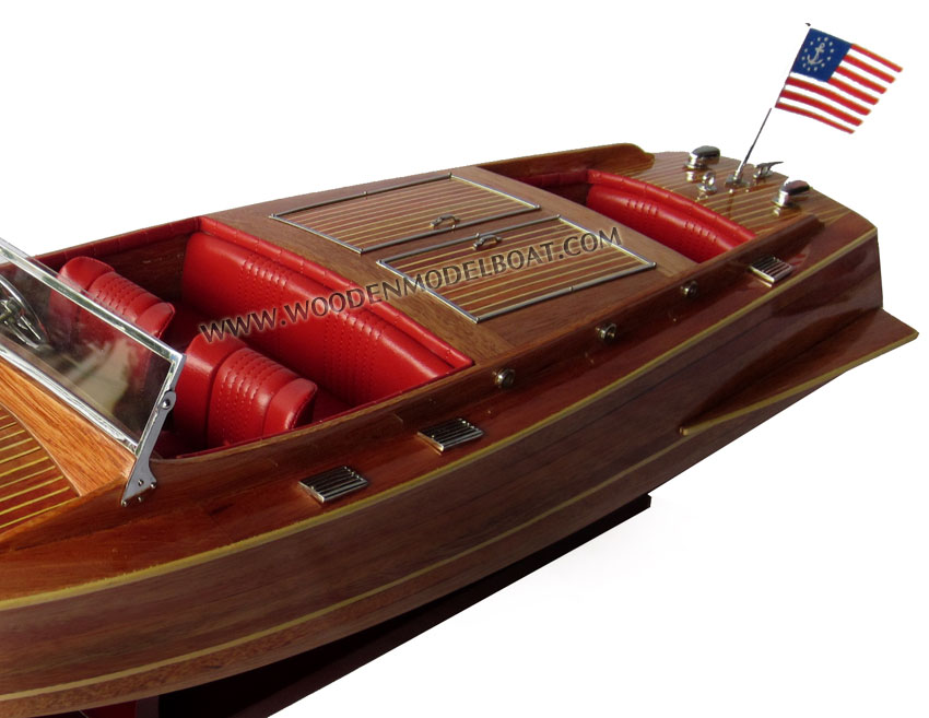 MODEL BOAT CHRIS CRAFT RUNABOUT - 1930